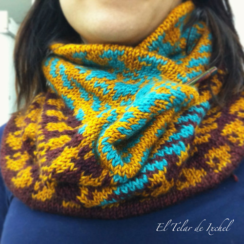 Three color cowl