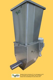 Dosatore volumetrico bivite EC con tramoggia da 30 lt