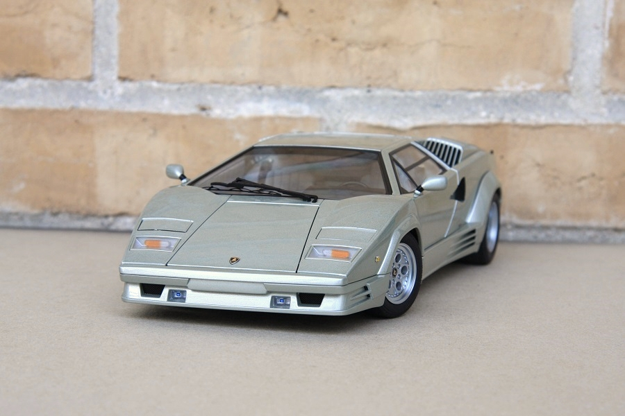 autoart 1 18 lamborghini countach 25th anniversary silver lamborghini d. Black Bedroom Furniture Sets. Home Design Ideas