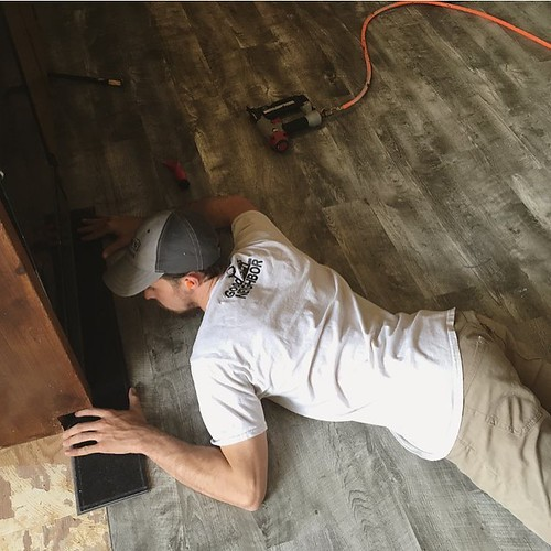 Trust Good Neighbor to get your next rental home ready for rental! #remodeling #handymanpeachtreecity #handyman #professional #service #company #vinylflooring #vinylfloor #flooring #flooringcompany