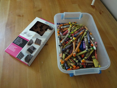 Dino crayons 9
