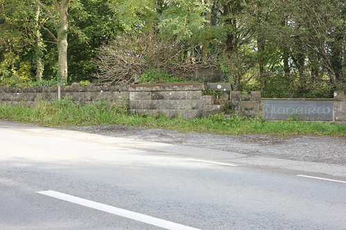 Stondin Laeth, Glaneirw, Blaenporth