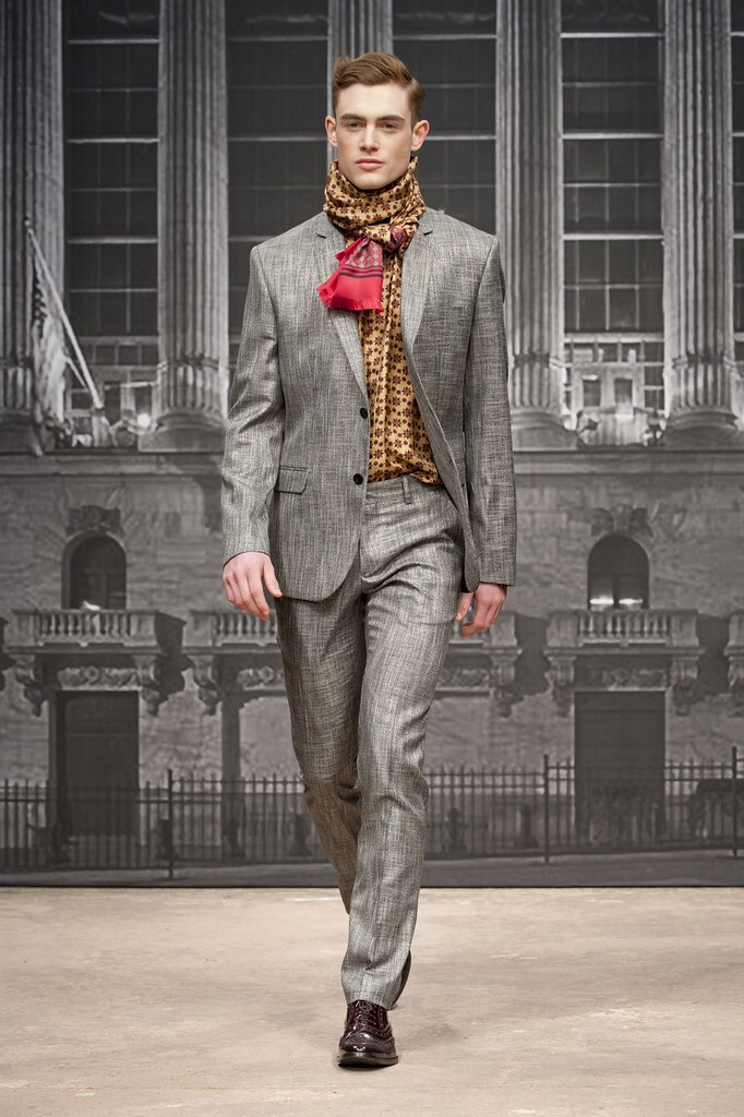Philip Reimers3044_FW13 Milan Roccobarocco(fashionising.com)