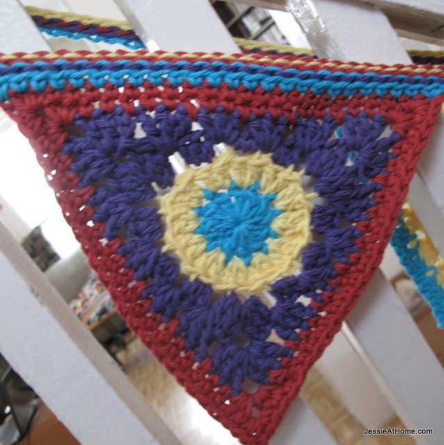 free-crochet-pattern-circle-to-triangle