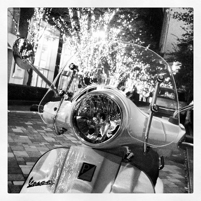 丸ノ内イルミネーション。 #Piaggio #Vespa LX125 3V