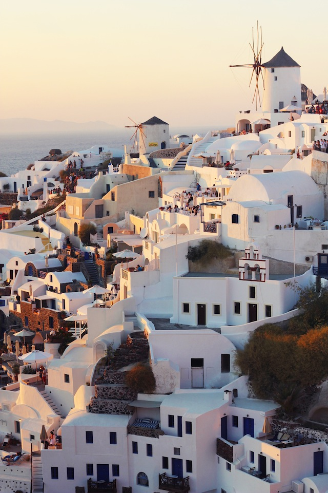 Santorini sunset-Oia crop