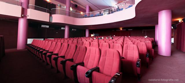 Comedy Cluj. Atmosfera unică a unei săli de cinema, capturată cu Nikon D90 10235720934_0ef149cf5d_z
