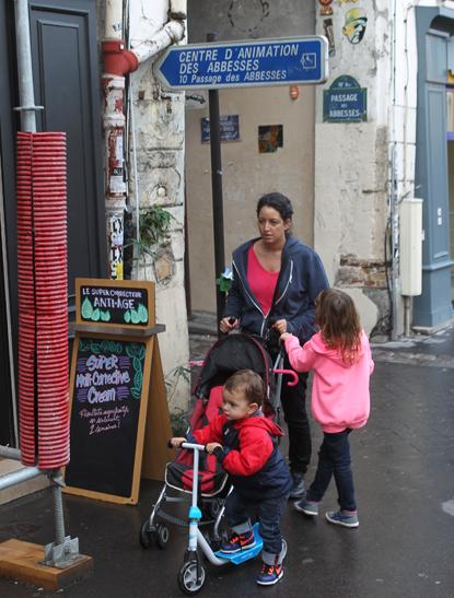 13j26 Montmartre Abbesses 158 variante Uti 415