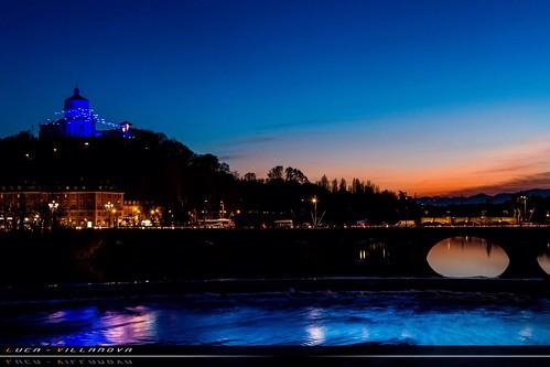 Tramonto cittadino sul fiume PO  - sunset citizen