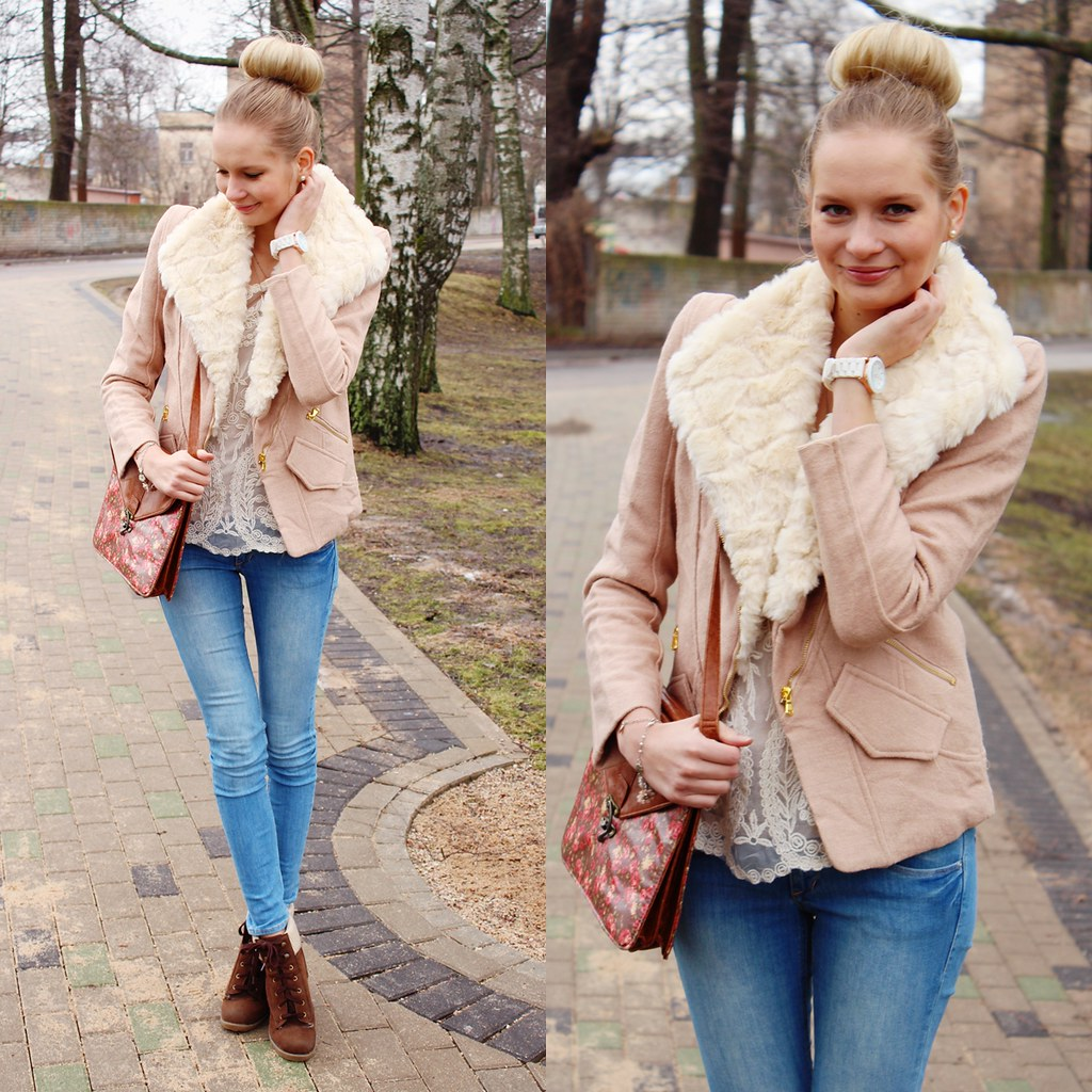 Newest Call me Maddie's outfit post, I am wearing: a beige color jacket wth faux fur collar from Sammydress, blue jeans from H&M, brown wedge boots fom Primark, paris necklace from Bijou Brigitte, white long sleeve lace blouse from Chicnova, floral pring messanger bag from Primark