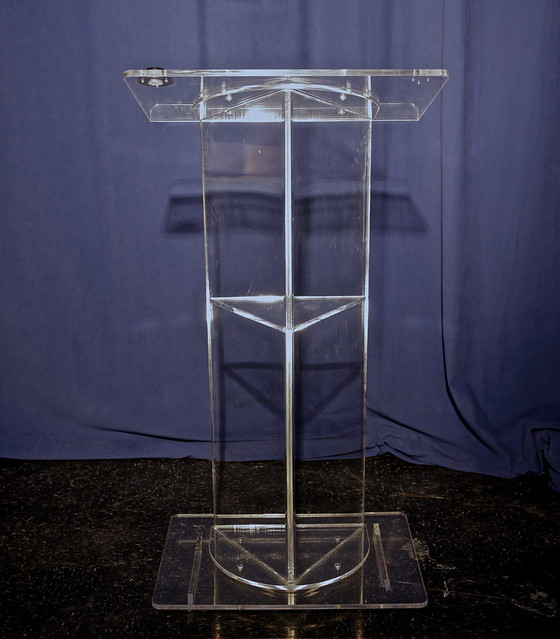 Podium-Acrylic