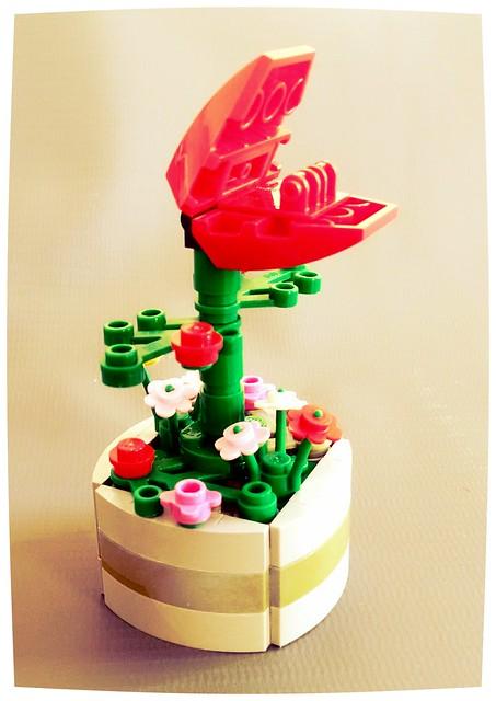 Lego carnivorous plant