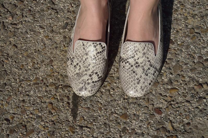 lara-vazquez-madlula-blog-details-shoes