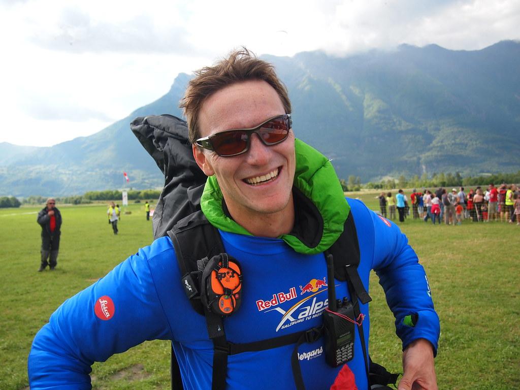 Clément LATOUR, sur la 3è place du podium de la Coupe du monde Parapente Chamousset