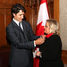 Yvonne Jones swearing in ceremony with Justin / Cérémonie d'assermentation d'Yvonne Jones avec Justin. Photo : Greg Kolz