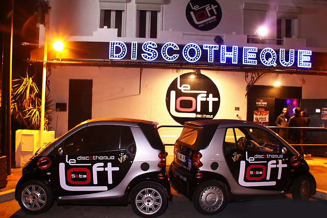 Réalisation de marquages sur des Smart pour la discothèque Le Loft.