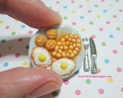 Dollhouse Miniature Baked Beans and Eggs