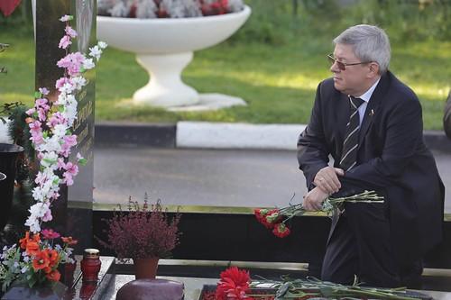 Первый заместитель Председателя Совета Федерации А. Торшин принял участие в акции памяти жертв теракта в Беслане