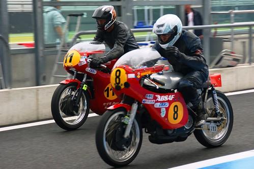 Ron Albertsma (11, Matchless G50_IHRO) & Jan Koning (8, BSA Goldstar_IHRO)