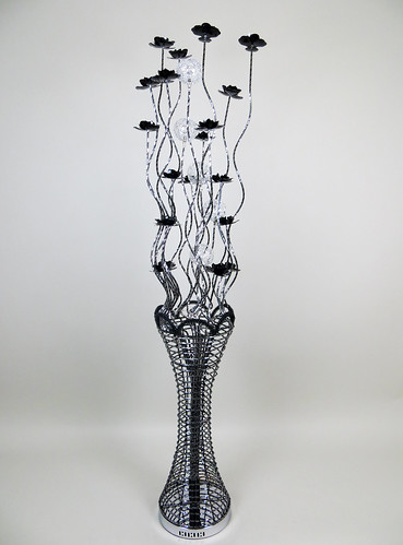 Elegance silver black floor standard wire lamp metal for Aluminium flower floor lamp in silver red