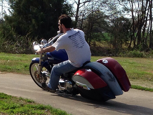 Testing the fender and bags before prepping for paint. Mounted on a 2004 Victory Vegas.