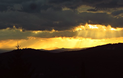 sunset sky clouds germany deutschland thüringen europa europe sonnenuntergang thuringia rays dramaticsky thüringerwald suhl ringberg ringberghaus