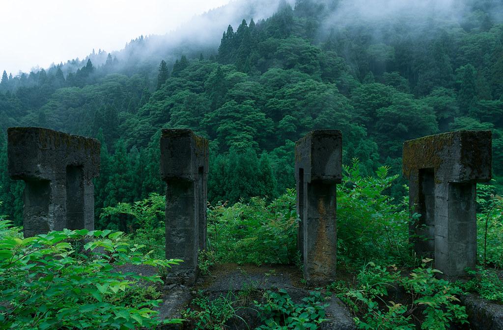 雨の廃鉱山3