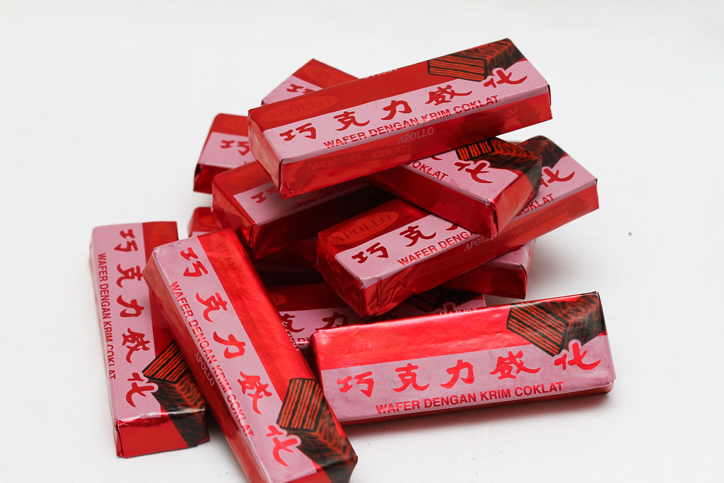 50 Childhood Snacks Singaporeans Love: Apollo wafer chocolate