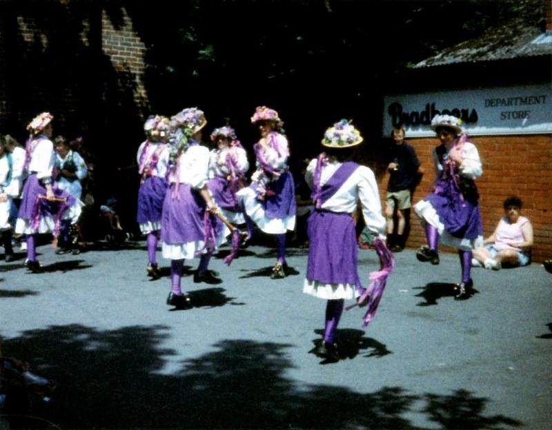 BF 1996 La Parisienne - Morris Dancers