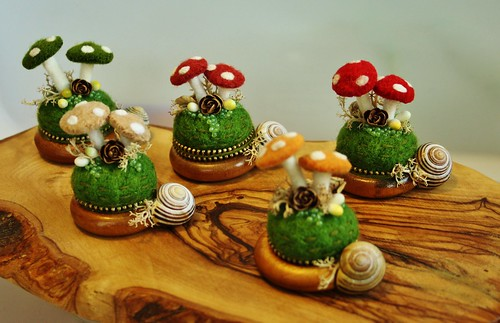 Curtain ring mushroom pincushions