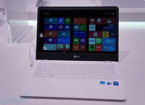 LG Z935