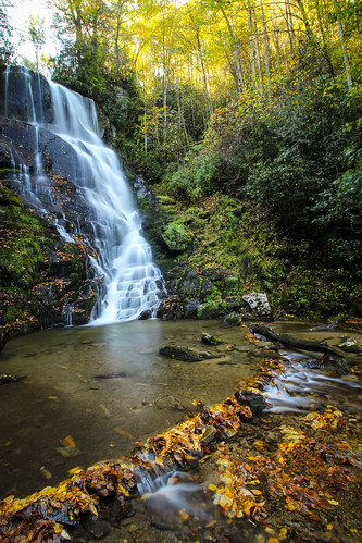 autumn fallleaves waterfall northcarolina
