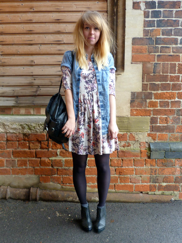 Outfit post boots, floral smock dress and denim shirt