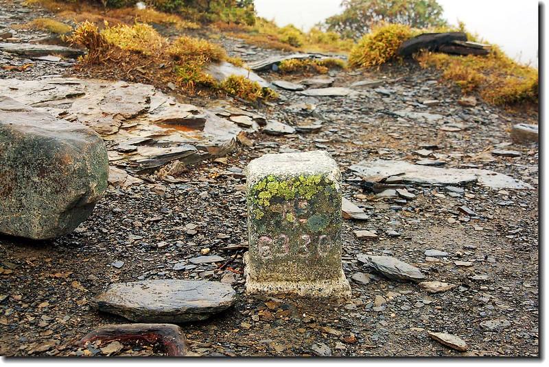 南湖北山三等三角點(# 6330 Elev. 3536 m) 3