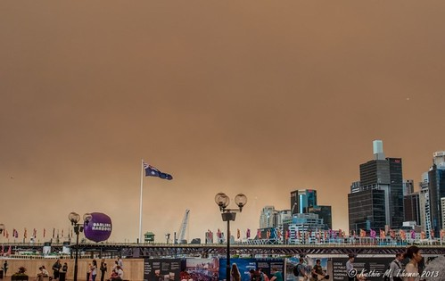 Smoke brown skies over Sydney