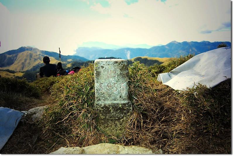 白石山三等三角點(#5955 Elev. 3110 m)