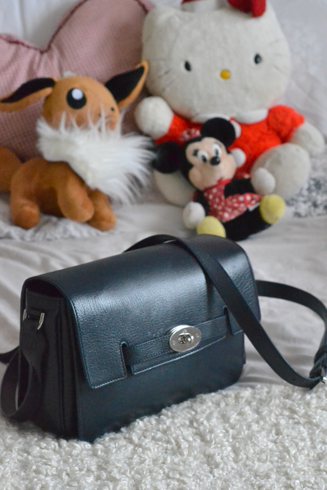 Daisybutter - UK Style and Fashion Blog: mulberry bayswater shoulder review, mulberry bags, midnight blue soft goat