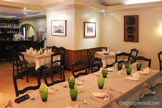 Mario's Tomas Morato Dining Area