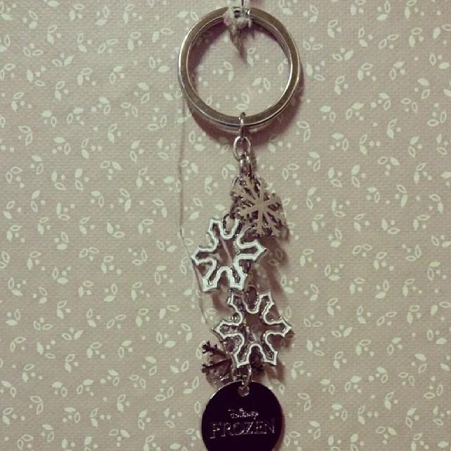 ★ j'ai aussi reçu le porte clef #lareinedesneiges ★ #frozen #disney #ourlittlefamily #france