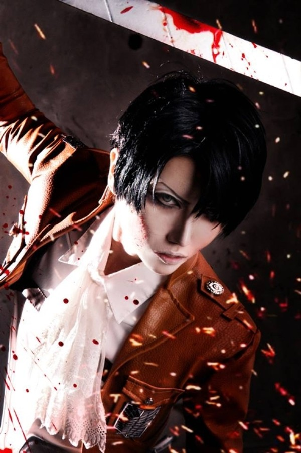 Attack On Titan Cosplay Levi