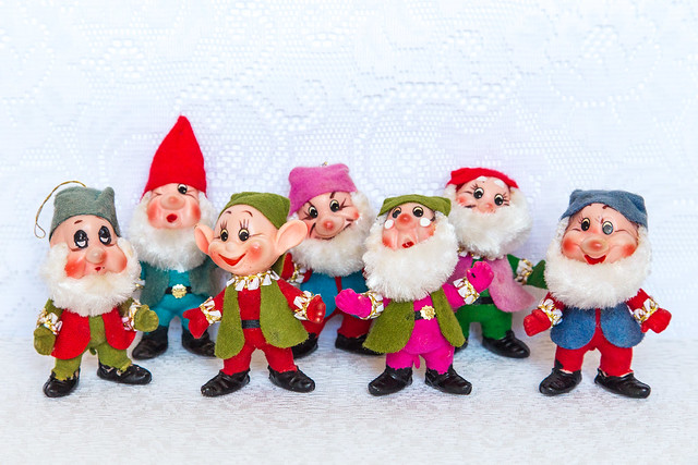 Merry Kitschmas from the seven dwarfs!