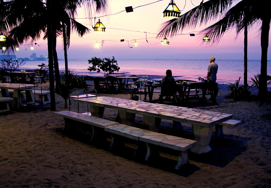 Krating-lai-beach-pattaya