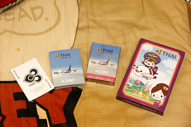 泰航小禮物, 充氣小飛機和A380撲克牌