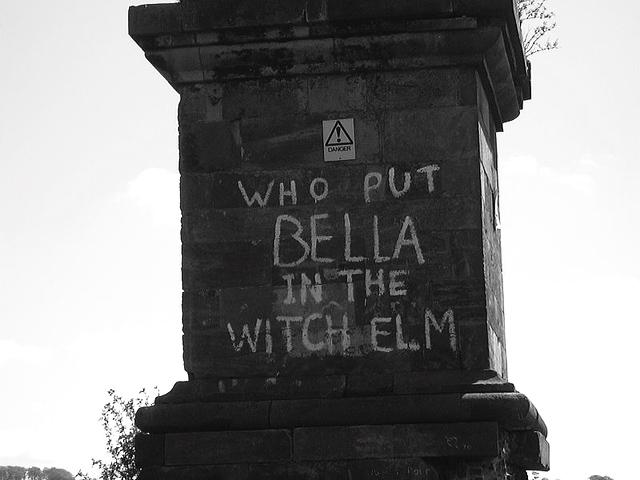 800px-Bella_graffiti