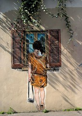 Girl in front of the window - Street art by LéZarts de la Bièvre / Jana & JS