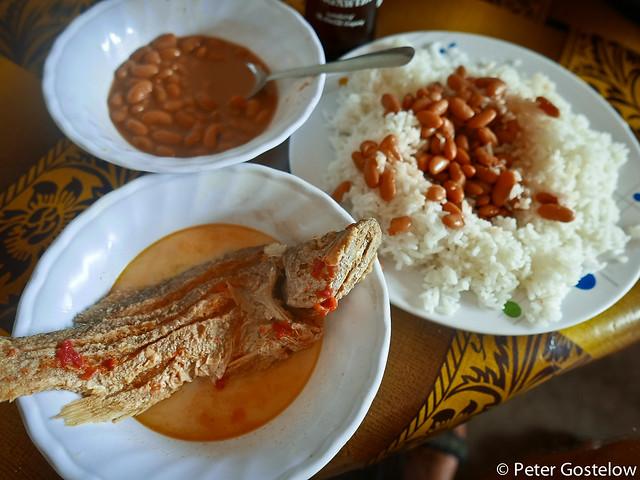 Lunch in Lamadi