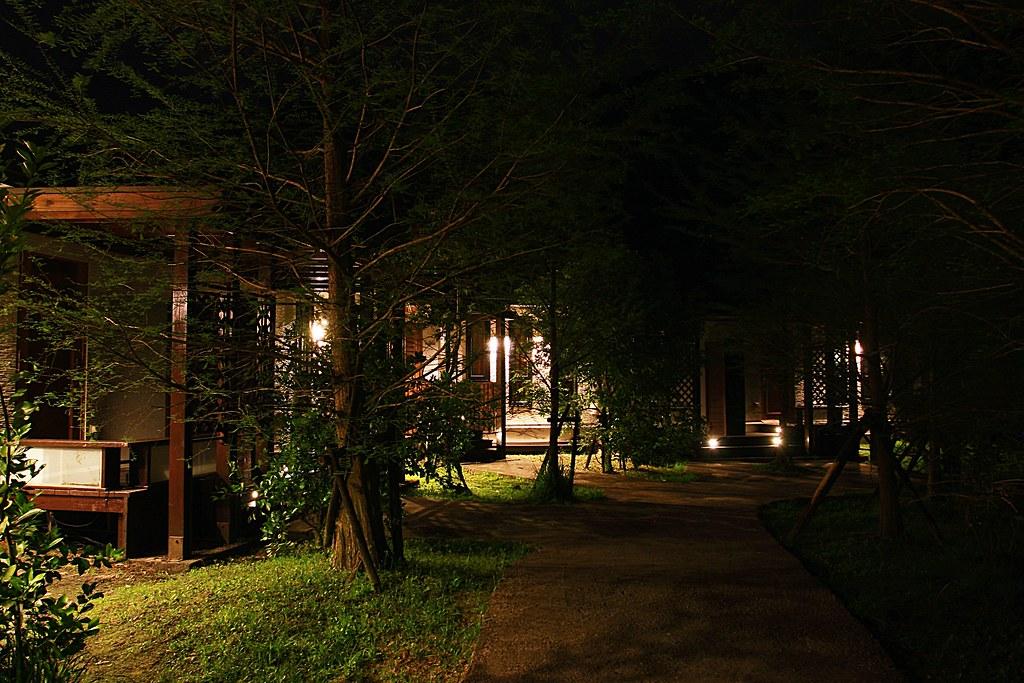 晚上很清幽,也沒什麼光害....如果天氣好應該可以看到滿天星朵