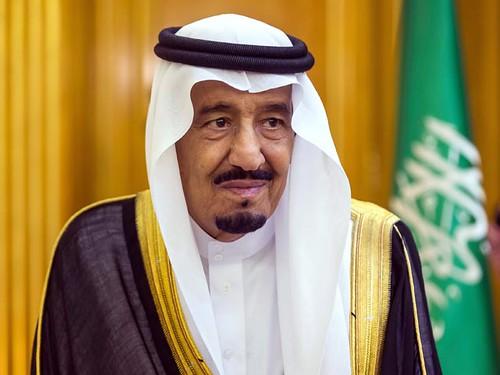 Саудівський король позбавив жителів французького міста можливості засмагатийкупатися