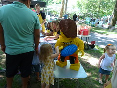 Go-Go Squeeze and Lego were on-site with activities for the kids!