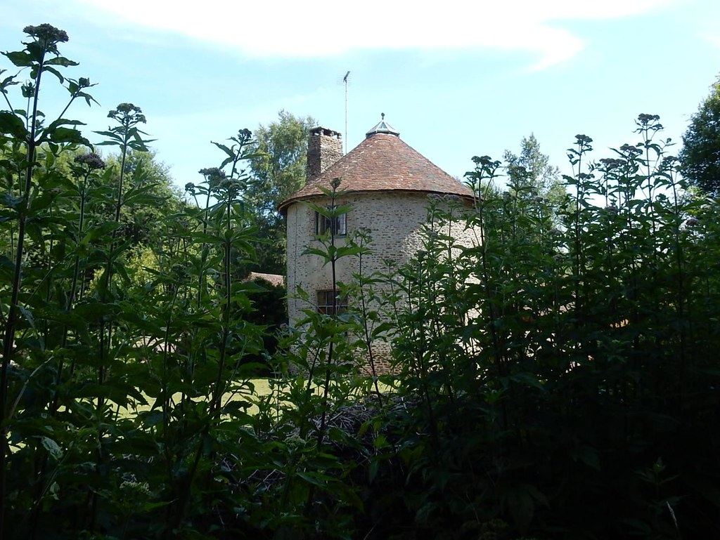 Round house Pulborough Circular